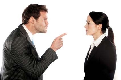 7 WAYS TO IDENTIFY A BULLY FROM A LEADER